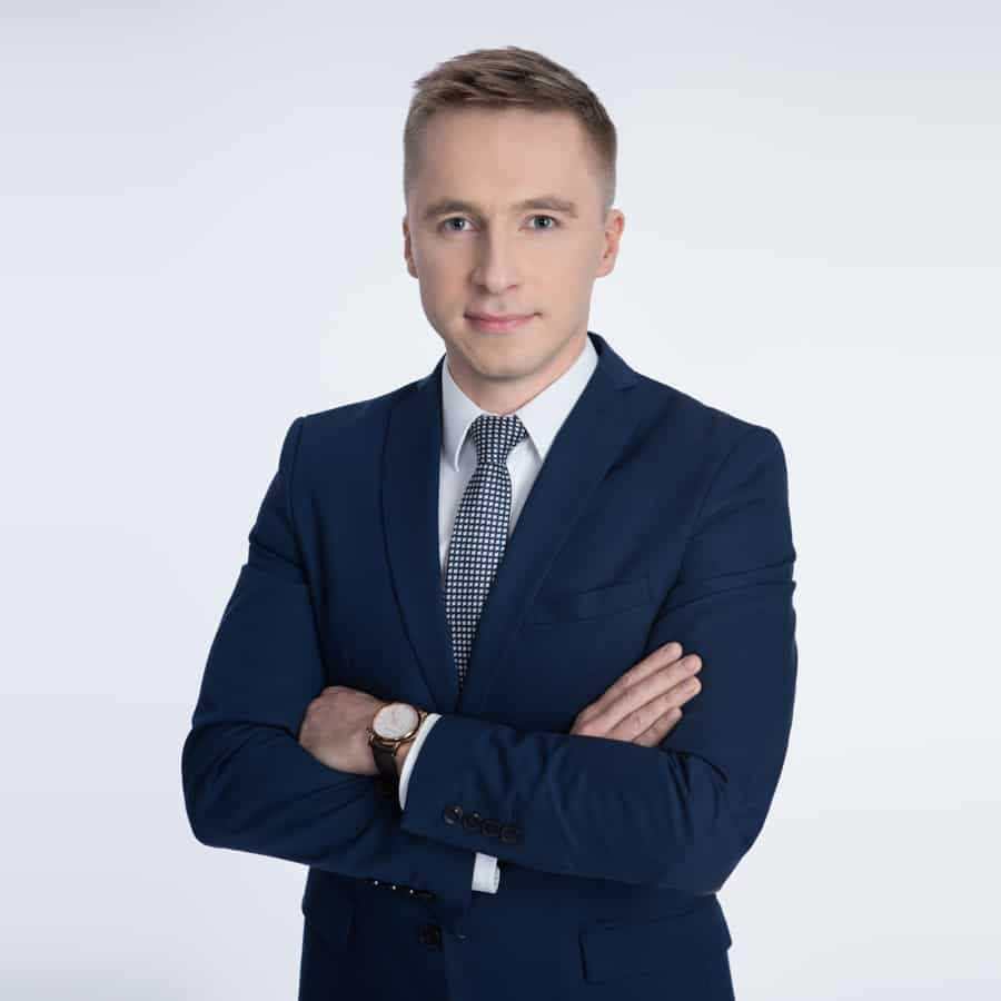 Łukasz Nowak - ekspert kredytowy - konsolidacja chwilówek - kredyty bezzdolności